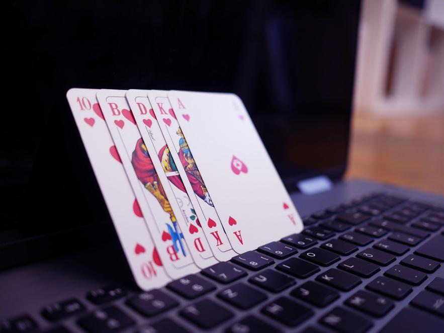 オンラインカジノ依存症